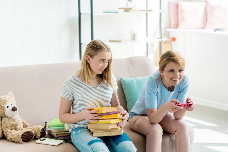Pētījums: 64% Latvijas jauniešu vecāki ir paraugs digitālajā komunikācijā